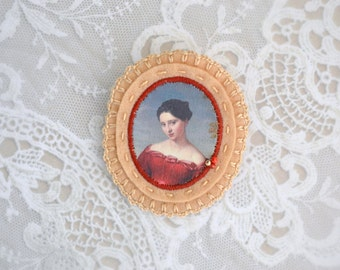 felt brooch with lady portrait - red dress - victorian style brooch with red accents - gift for her - museum painting brooch