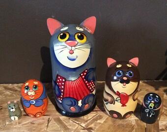 Cat  family nesting dolls matryoshka babushka dolls set of 5