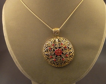 Necklace - Dome with crystals
