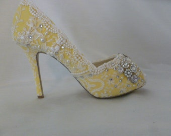 Yellow Twinkly Wedding Shoes .. Vintage Lace Bridal Shoes .. Yellow Lace Shoes .. Peep Toe shoes .. FREE Postage within USA
