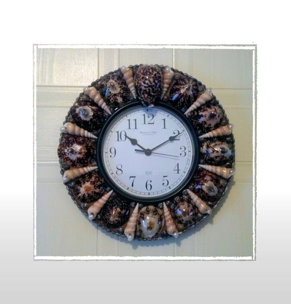 Seashell wall clock polished limpet beach theme by eagle414 for Seashell clock