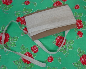 "Antique Novelty Trim with Stitched Design, 5 Yards 19"", Cream 5/16"" wide"