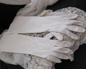 "Beautiful Ivory Ladies Soft Nylon Wrist Gloves 17"" Inch Long"