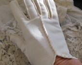 Beautiful Ivory Ladies Soft Nylon Wrist Gloves Beaded