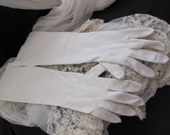 "Beautiful Ivory Ladies Soft Nylon Wrist Gloves 17"" Inch Long"