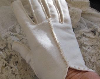Gloves Beautiful Ivory Ladies Soft Nylon Wrist Gloves Beaded