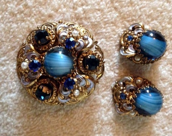 Vintage W Germany Brooch Pin Demi Set Cabochon Multi Blue Colors w/ Faux Pearls