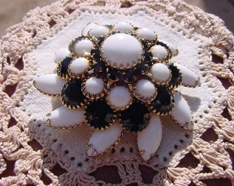 Magnificent Layered Floral Rhinestone Vintage Goldtone Brooch