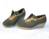 Felted wool clogs Green golden ooak - felted green shoes size EUR 38 / US 7,5 womens - ankle booties