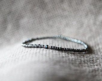 venice winter mens bracelet - gray black silver mens small bead bracelet - mens gem bracelet - MariaHelenaDesign