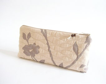 Farmhouse Wedding Floral Clutch, Bridesmaid Gift Bag, Handmade Rustic Bag