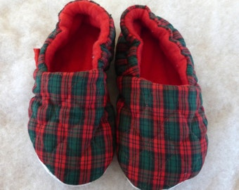 KozyFoots red plaid slippers, child 6.5 interior