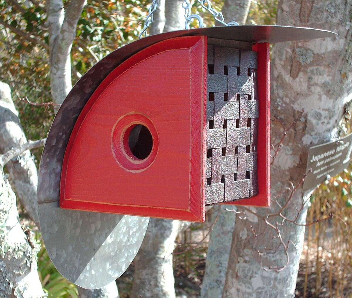 Modern birdhouse outdoor birdhouses unique bird houses for Creative birdhouses
