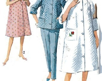 "Women's Sewing Pattern 1960's Bath Robe Housecoat Top and Pants Simplicity 5205 Bust 34"" Size 14"