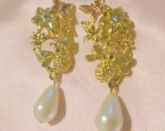 Vintage Avon Butterfly and Bee Springtime Pearl Drop Earrings