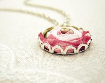 Vintage Pink Rose Necklace - Floral Fabric Flower Necklace in Honeysuckle & Snow