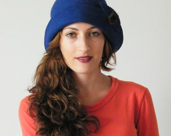 Warm felt hat - royal blue winter cloche / 20s hat / elegant Downton Abbey women's hat, Phyrne Miss Fisher's ....