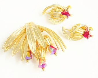 Vintage Coro Pegasus Red Glass Thistle Brooch & Earrings 60s