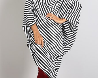 Sweater Dress / Black and White Striped Tunic / Batwing Tunic / Top Dress : Urban Chic Collection no.8