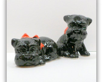 Salt Pepper Shakers Dog Terrier Black Red JAPAN OCI Omnibus Vintage 1950s