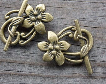 3 Bronze Flower Toggle Clasps 30mm