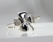 Very shiny little 4-Leaf Clover, Good Luck, Ring, sterling silver 4-Leaf Clover Ring,