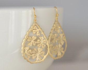 30% OFF, Daisy Drop earrings, Gold Earrings,Bridal earrings, Wedding jewelry, Flower girl jewelry, Gift for her, Earrings set, Clip earrings