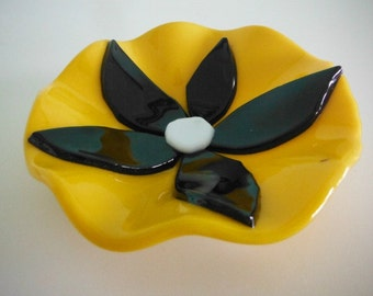Black and Yellow Fused Flower Round Glass Dish