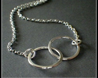 Sterling Silver Interlocking 2 Rings Necklace, Sisters Jewelry, 20th Birthday, 2nd Anniversary, Friends Jewelry