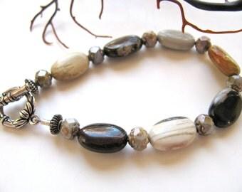 Earthy bracelet, dainty bracelet, Ocean Jasper with Czech glass, 7 inches long, beaded bracelet, gemstones 134