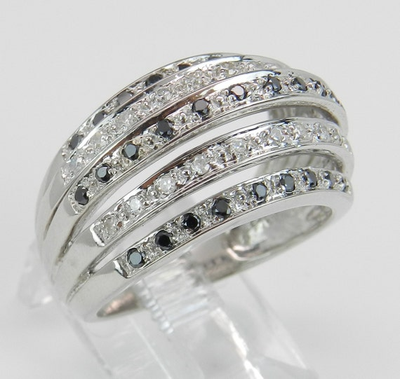 Black and White Diamond Wedding Ring Anniversary Band 14K Gold Size 6.75