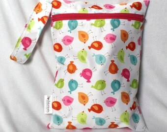Sale! 9x12 wet bag in adorable bird print. Perfect travel size. Will fit approx 4 cloth diapers