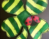 Screen Green Four Leaf Clover Shamrock with Lady Bug Saint Patricks Day Wreath Door Hanger