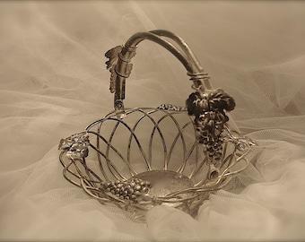 Vintage silver plate basket,  flower girl basket, silver basket, wedding basket, flower girl basket, vintage wedding