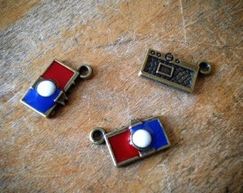 4 Pcs Camera Antique Bronze Vintage Style Red White Enamel Cameras Pendant Charm Jewelry Supplies (C062)
