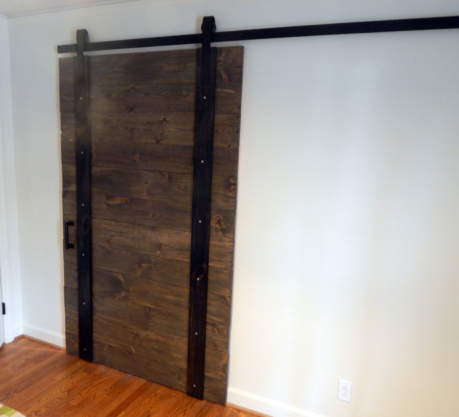 Atlanta interior sliding barn doors rustic by youreunique for Indoor sliding doors