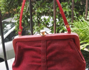 Rich red leather and suede 1970s petite handbag with strap