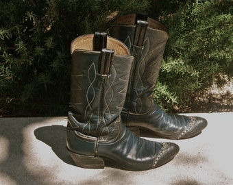 """Vintage Ladies Cowboy Boots, """"Tony Lama,"""" Black Leather Boots, Lizard Toe Detail, Size 5 1/2 - B, Distressed Cowgirl Boots, Western Boots"""