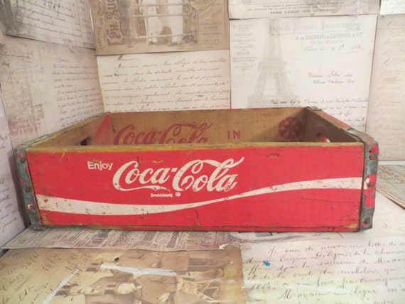 Vintage coca cola crate in Classifieds in Ontario