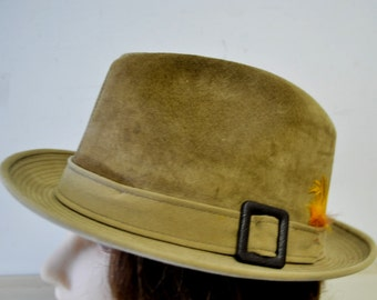 vintage DOBBS tan suede leather fedora hat with feather
