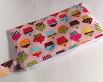 Insulated Reusable Snack Bag, travel bag in Pink Cupcakes