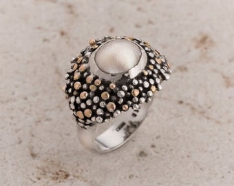 Pearl ring, White Pearl Ring, Fresh Water Pearl in Sterling Silver and 9k Gold, Pearl statement ring, Woman pearl Ring