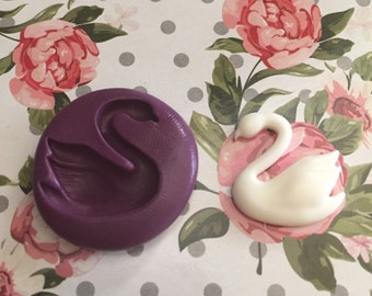 Flexible swan mold