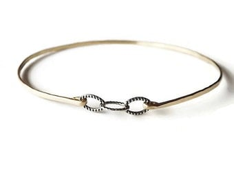 Dainty Hammered Gold Filled Chain Bangle - Gold Bracelet - Stacking Bangle - Mix Metal Bangle