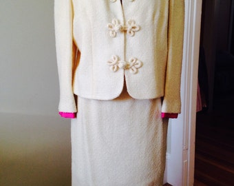Winter White Light Weight Wool 2pc. Suit