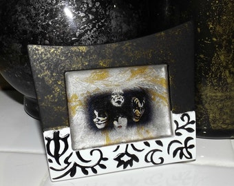 KISS Dynasty Marble Glass Art