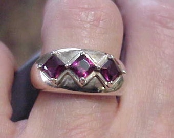 Vintage Sterling Ring Blood Red Garnets In Sterling Silver  c1970