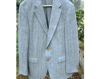 Vintage Mid Century 1970s Scottish Harris Tweed Wool Soft Gray Sports Coat Suit Blazer Nordstroms Classic Mens Jacket 40-42 Leather Button