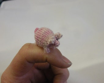 "Teeny Tiny knitted pigs! Super cute, just 1"" long"