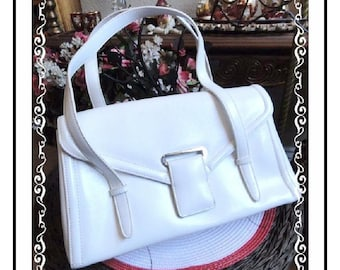 Vintage White Purse  -  Nifty Bage With Top HandlesPR-039a-091713000
